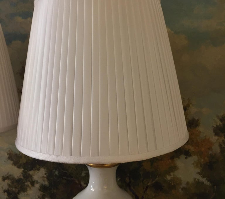 Mangani Firenze Pair of Italian White Table Lamps with Gold Foliate Motiv For Sale 10