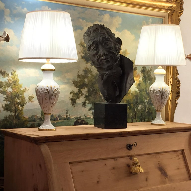 Mangani Firenze Pair of Italian White Table Lamps with Gold Foliate Motiv For Sale 12