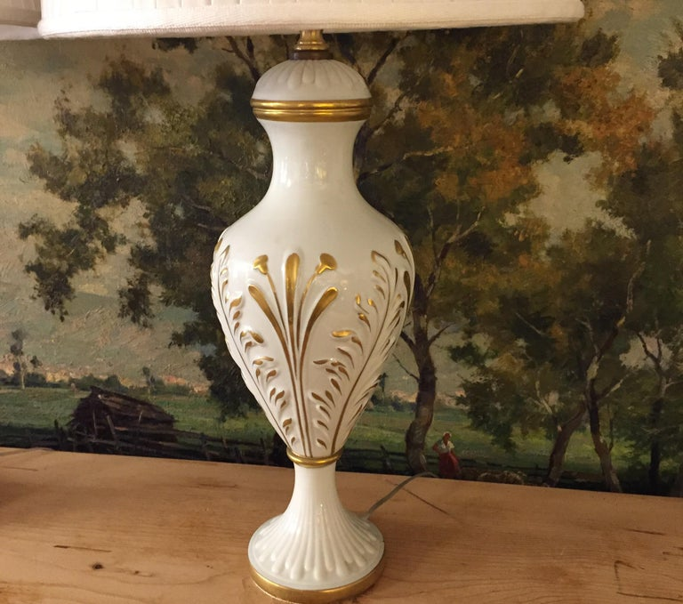 Mangani Firenze Pair of Italian White Table Lamps with Gold Foliate Motiv For Sale 3