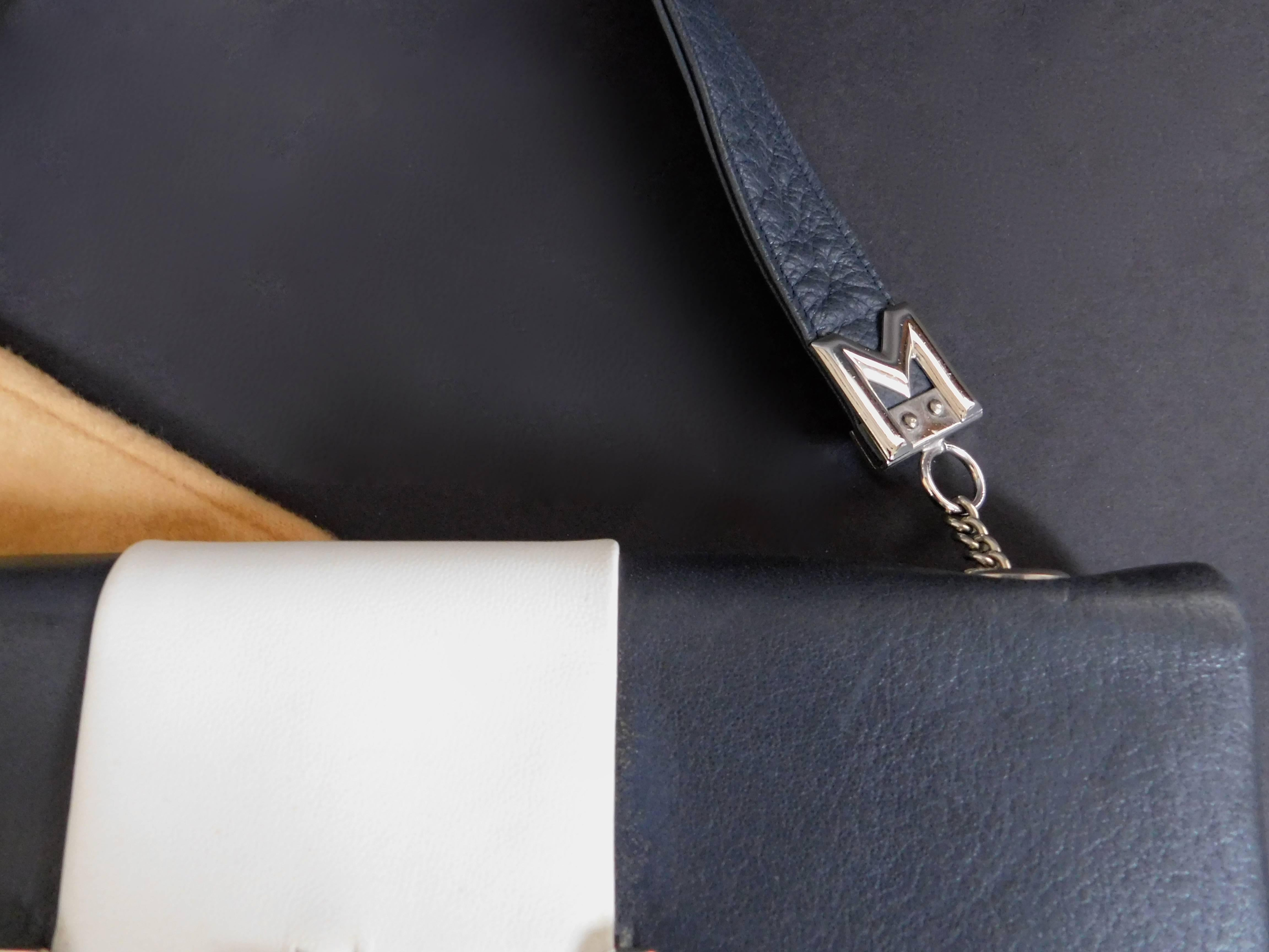 7c4a0671e Mangiameli Vintage Italian Navy Blue and White Calfskin Leather Handbag For  Sale at 1stdibs
