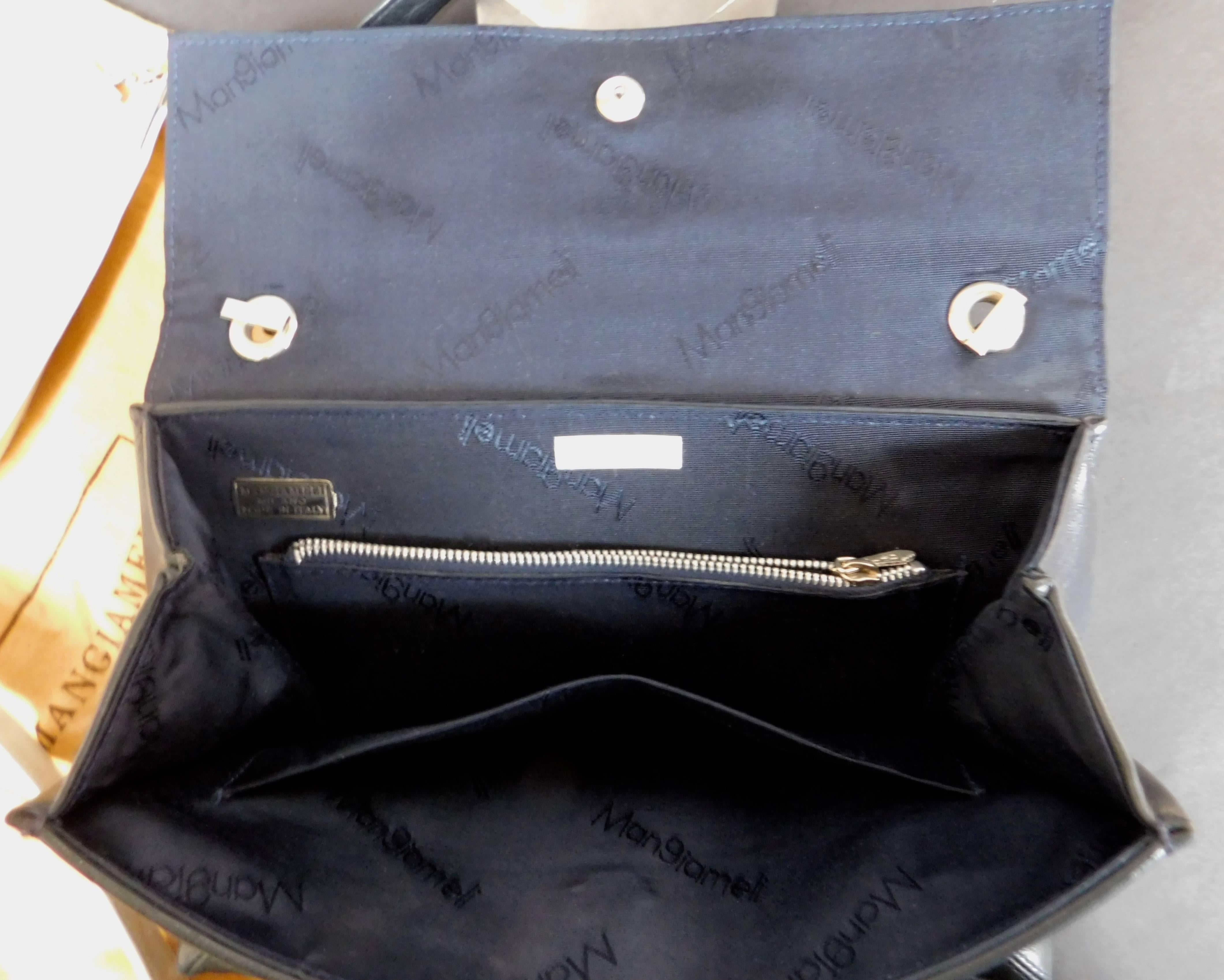 7c4a0671e Mangiameli Vintage Italian Navy Blue and White Calfskin Leather Handbag For  Sale at 1stdibs