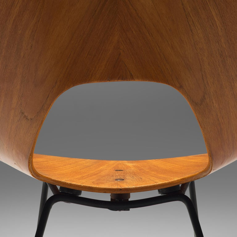 Mangiarotti 'Eros' Marble Table with Bozzi 'Ariston' Chairs and Stilnovo Lamp For Sale 3
