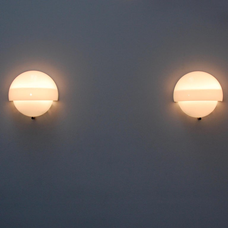 (6) Mania Sconces in Glass by Vico Magistretti for Artemide For Sale 3