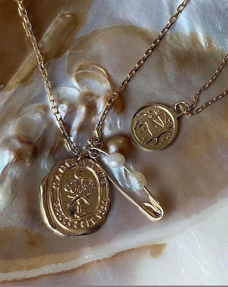Women's Maniamania Zodiac Pisces Coin Charm Pendant Necklace in 14 Karat Gold For Sale