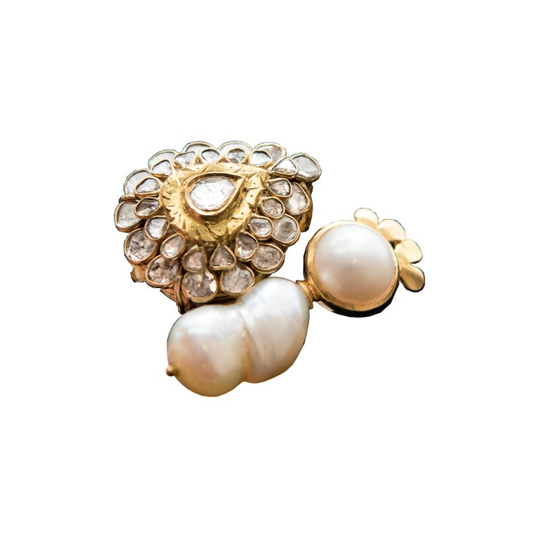 Manjrie Baroque Pearl Uncut Diamond 18 Karat Gold Artisan Bracelet In New Condition For Sale In Singapore, Singapore