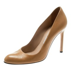 Manolo Blahnik Beige Leather BB Pumps Size 38.5