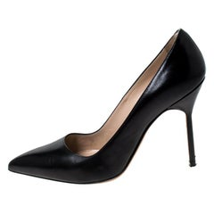 Manolo Blahnik Black Leather BB Pointed Toe Pumps Size 37