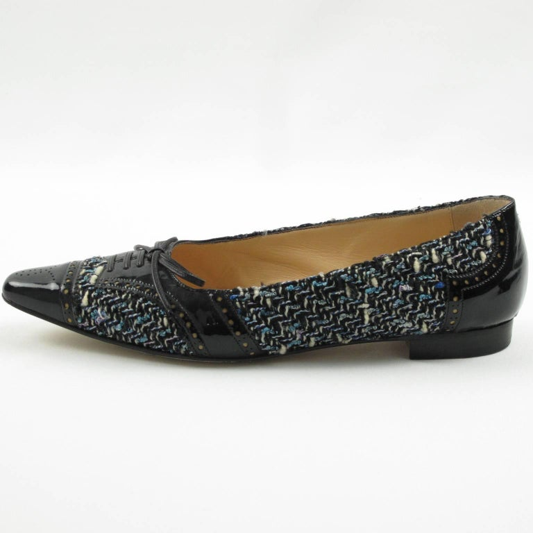 Manolo Blahnik Black Patent Leather and Tweed Fabric Flats Shoes Size 37.5 / 7.5 For Sale 3
