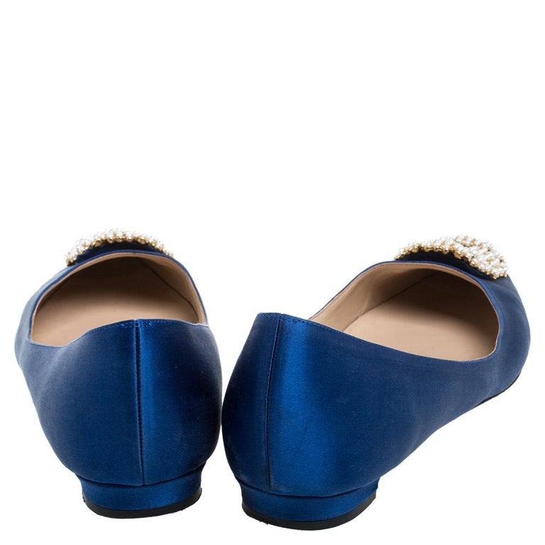 Women's Manolo Blahnik Blue Satin Hangisi Crystal Embellished Ballet Flats Size 39.5 For Sale