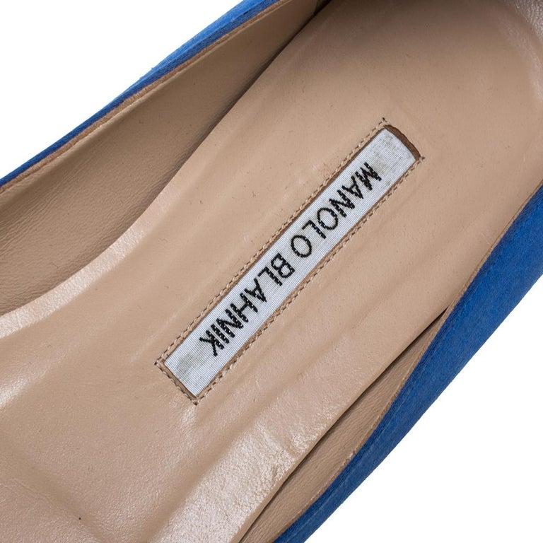 Manolo Blahnik Blue Satin Hangisi Crystal Embellished Ballet Flats Size 39.5 For Sale 2