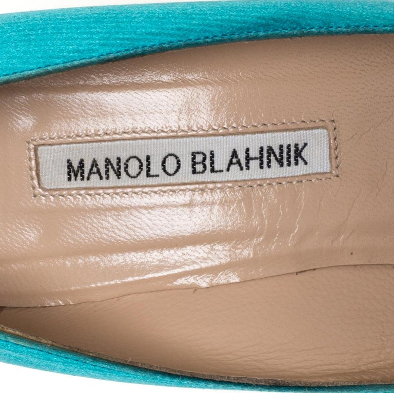 Manolo Blahnik Blue Satin Hangisi Crystal Embellished Pointed Toe Pumps Size 38 For Sale 2