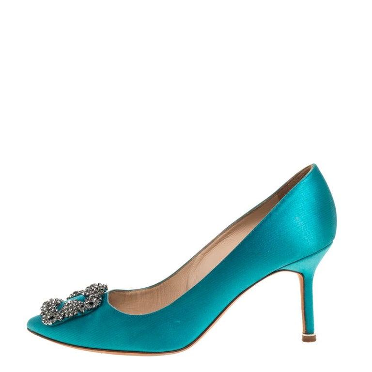 Manolo Blahnik Blue Satin Hangisi Crystal Embellished Pointed Toe Pumps Size 38 For Sale 3