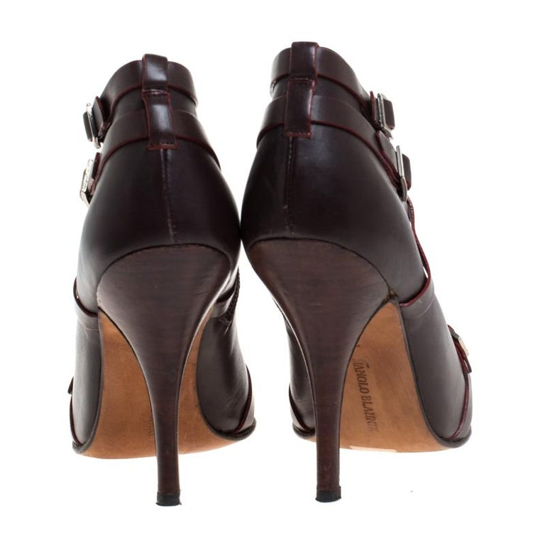 Black Manolo Blahnik Brown Leather Euodus Pointed Toe Booties Size 37.5 For Sale