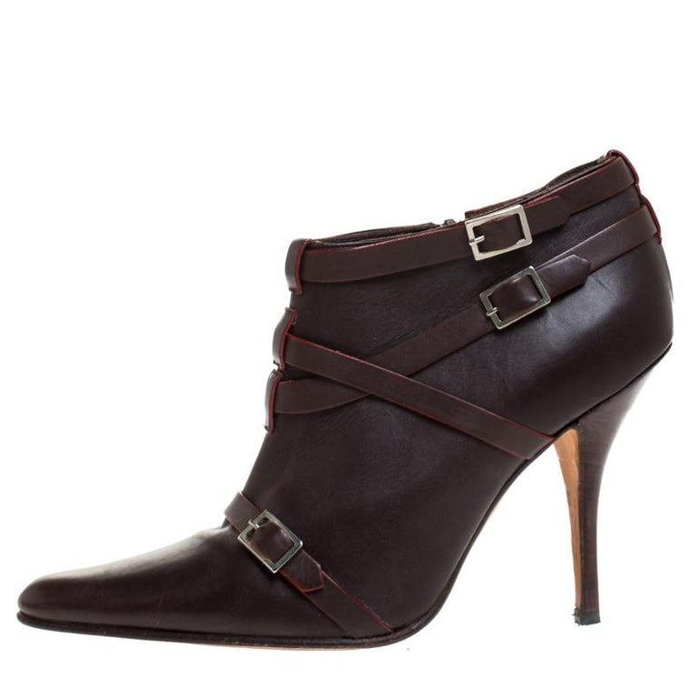 Manolo Blahnik Brown Leather Euodus Pointed Toe Booties Size 37.5 For Sale 1