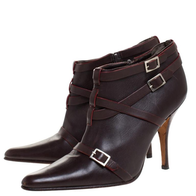 Manolo Blahnik Brown Leather Euodus Pointed Toe Booties Size 37.5 For Sale 2