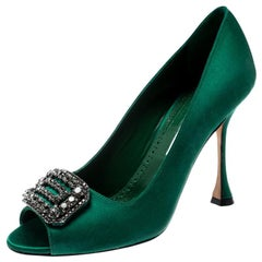 Manolo Blahnik Green Satin Crystal Embellished Peep Toe Pumps Size 38.5