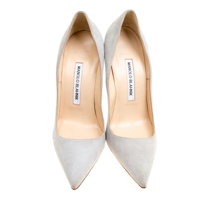 ae7ff493f5 Beige Manolo Blahnik Light Grey Suede BB Pointed Toe Pumps Size 37.5 For  Sale