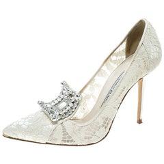 59b068f9d0590 Manolo Blahnik Off White Lace and Satin Borlak Crystal Embellished Pumps  Size 36