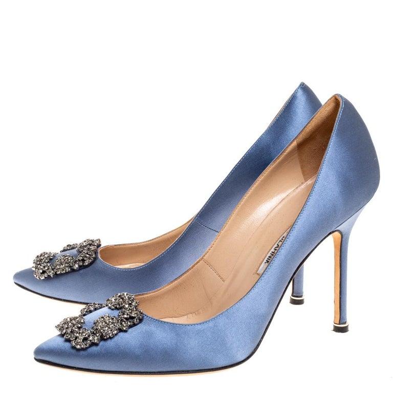 Manolo Blahnik Pale Blue Satin Hangisi Embellished Pointed Toe Pumps Size 40.5 For Sale 1