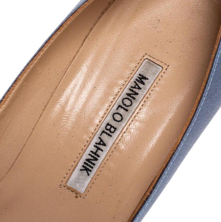 Manolo Blahnik Pale Blue Satin Hangisi Embellished Pointed Toe Pumps Size 40.5 For Sale 3