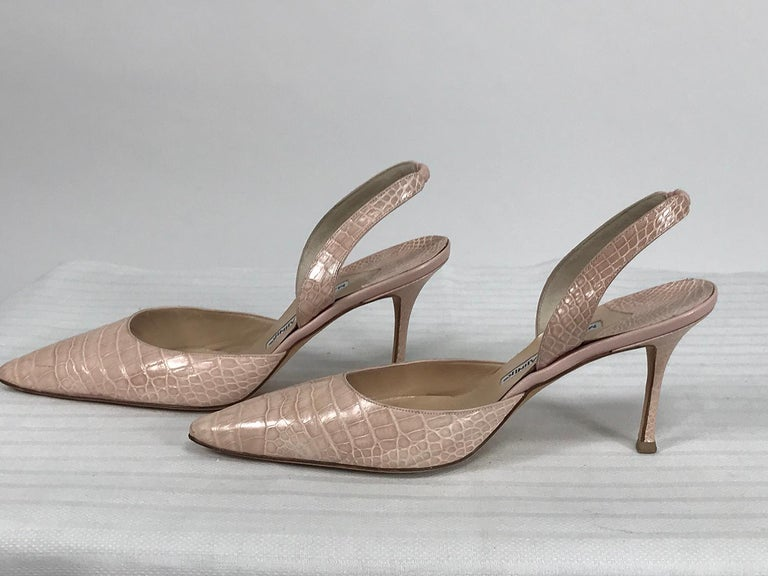 Manolo Blahnik Pale Pink Alligator Sling Back High Heel Pumps 40 In Good Condition For Sale In West Palm Beach, FL