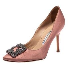 Manolo Blahnik Pink Satin Hangisi Crystal Embellished Pointed Toe Pumps Size 37