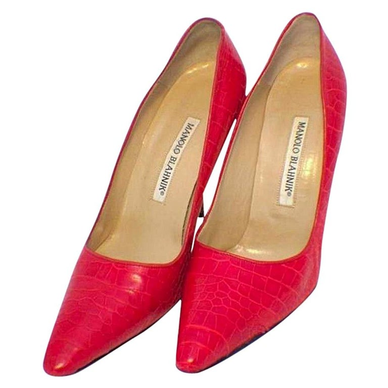 Manolo Blahnik Red Alligator High Heel Pumps Size 6.5-7 For Sale