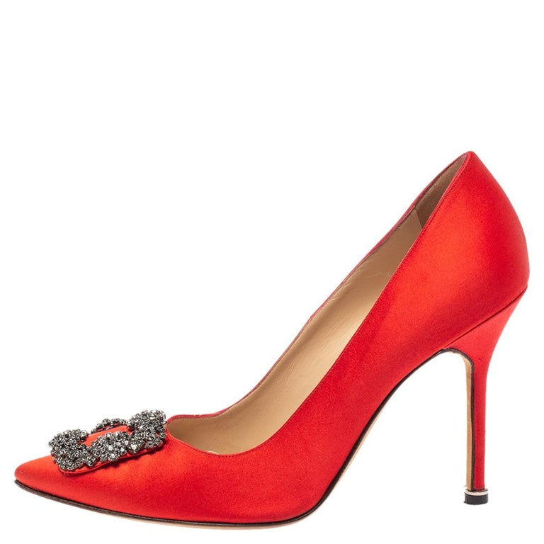 Manolo Blahnik Red Satin Hangisi Pumps Size 38.5 For Sale 2