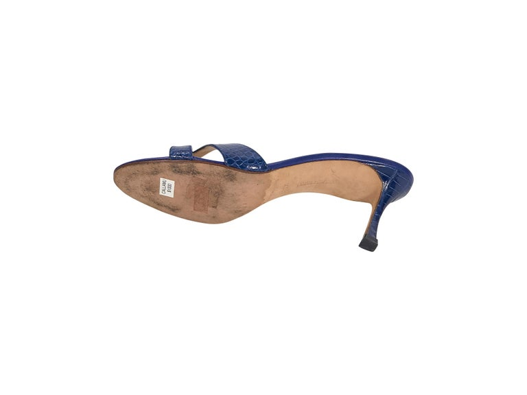 Manolo Blahnik Royal Blue Crocodile Sandals In Good Condition For Sale In New York, NY