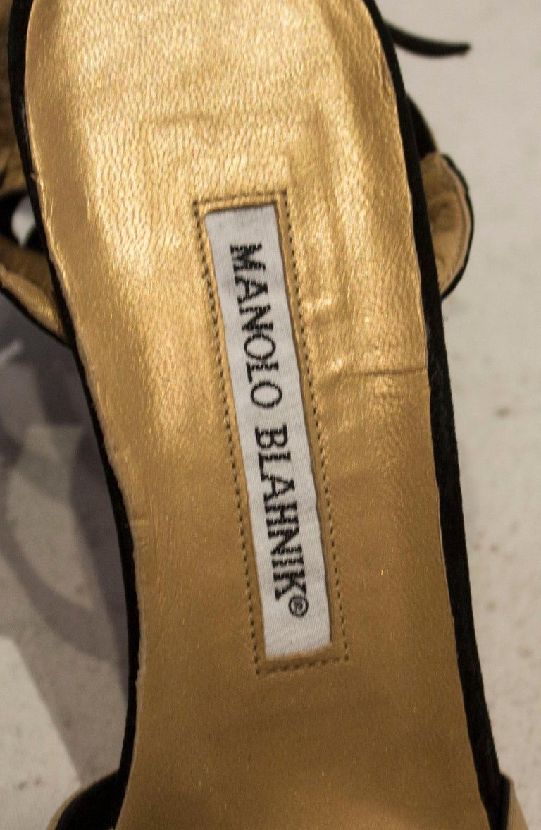 Manolo Blahnik Suede and Leather Shoes In Good Condition For Sale In London, GB