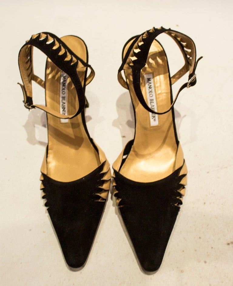 Manolo Blahnik Suede and Leather Shoes For Sale 3