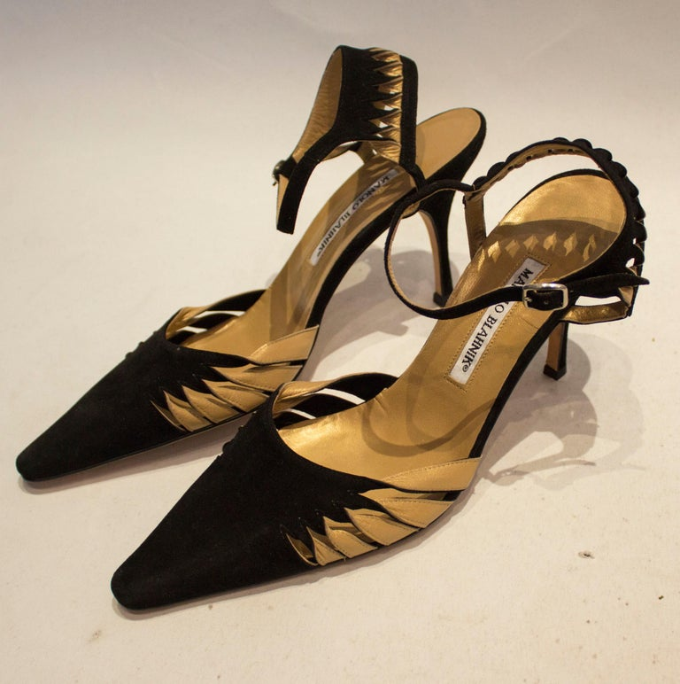 Manolo Blahnik Suede and Leather Shoes For Sale 4