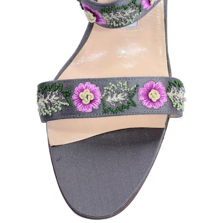 Manolo Blahnik Vintage Open Toe Beaded Slide Sandals W Pink Embroidered Flowers  For Sale 3