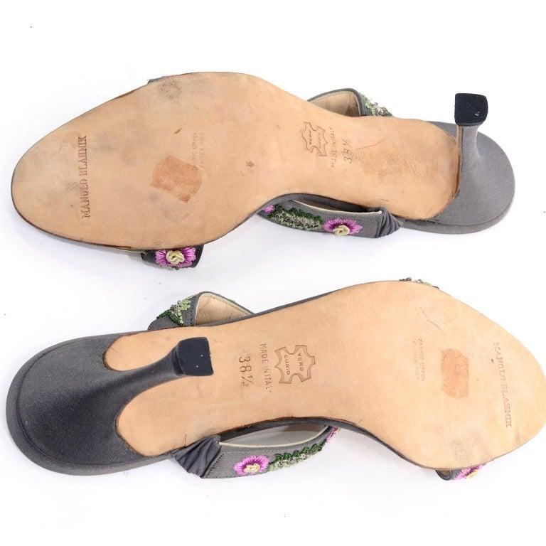 Manolo Blahnik Vintage Open Toe Beaded Slide Sandals W Pink Embroidered Flowers  For Sale 4
