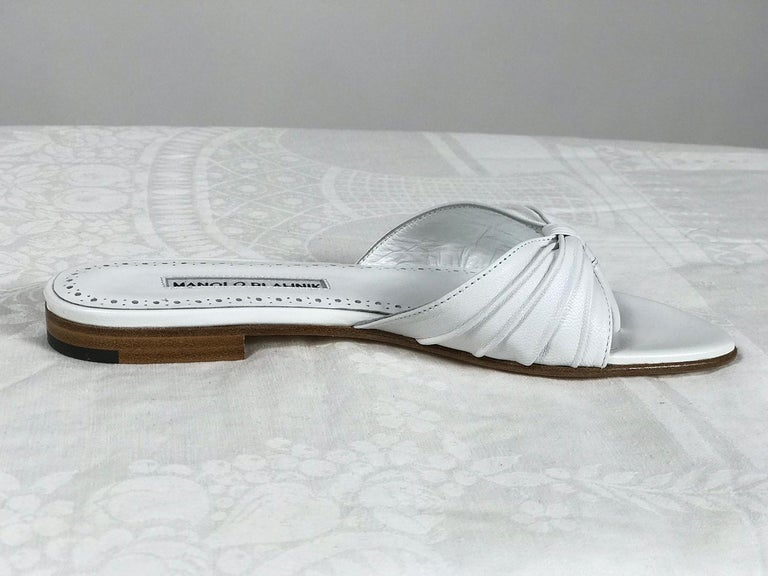 Gray Manolo Blahnik White Leather Thong Sandals Unworn With Box, size 7 For Sale