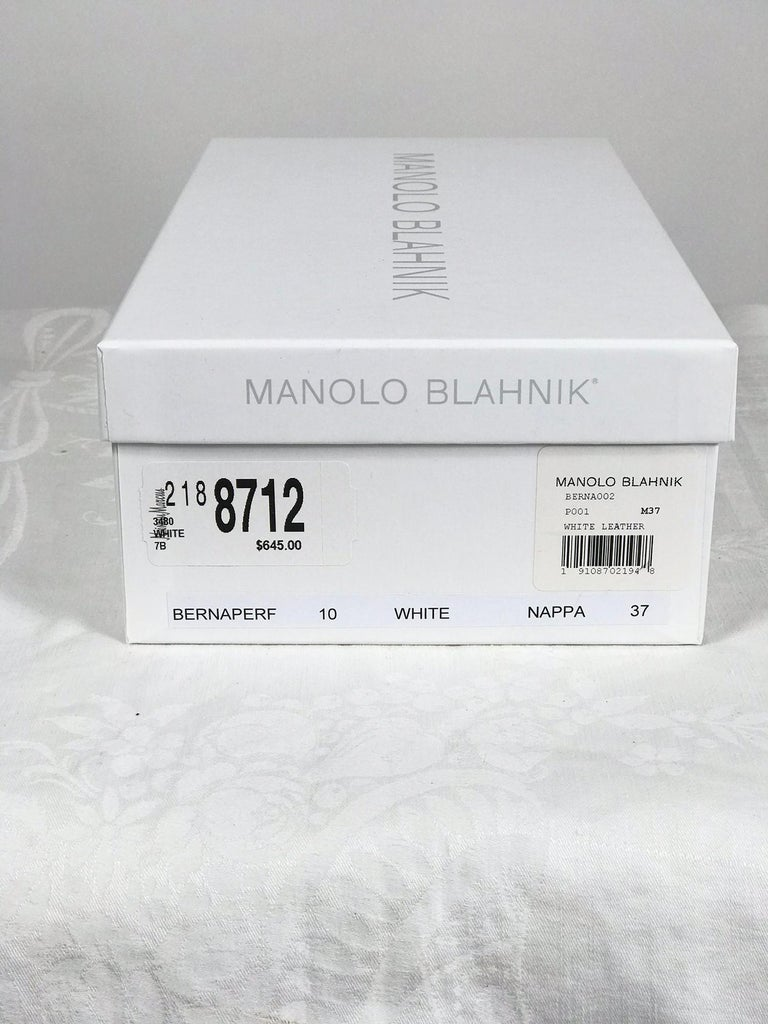 Manolo Blahnik White Leather Thong Sandals Unworn With Box, size 7 For Sale 4
