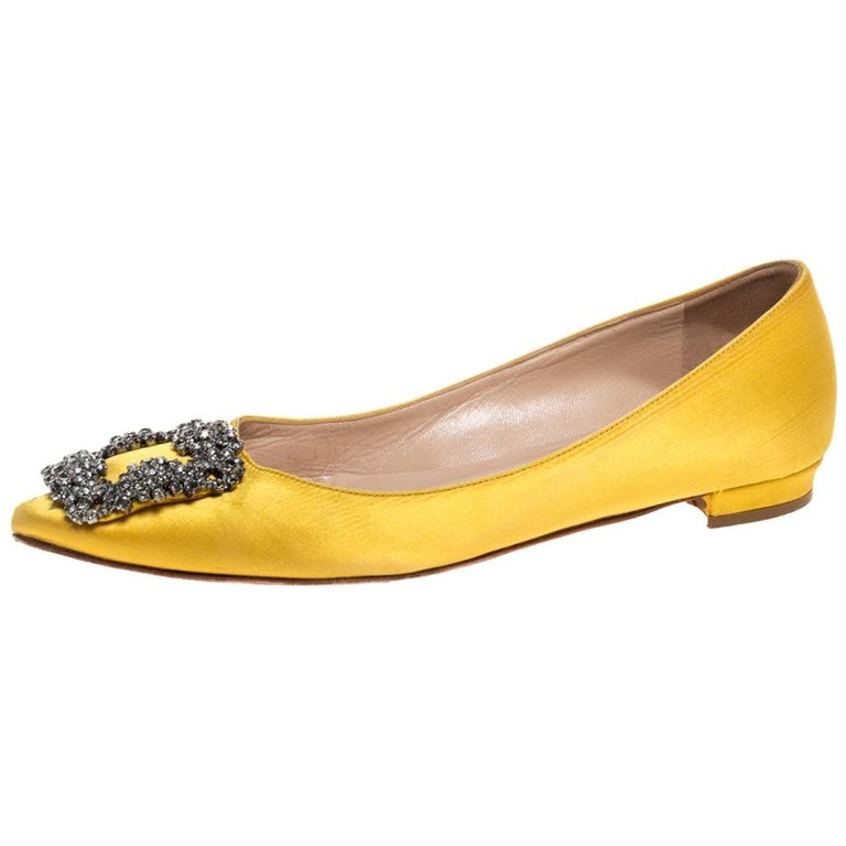 Manolo Blahnik Yellow Satin Hangisi Crystal Embellished Flats Size 34 For Sale