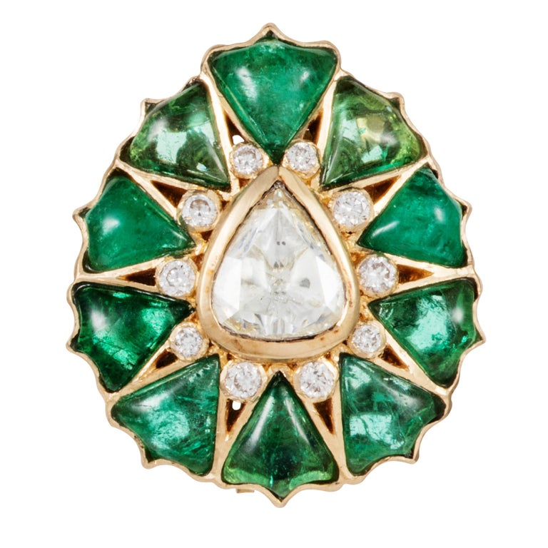 Gross Weight : 13.400 grams  Gold 12.290 grams Diamond 0.29 carats  Rose-Cut Diamond 0.72 carats  Emerald 4.17 carats   The Fleurs de l'Inde Collection is inspired by the floral motifs of traditional jewellery worn by Rajasthani royalty.  These