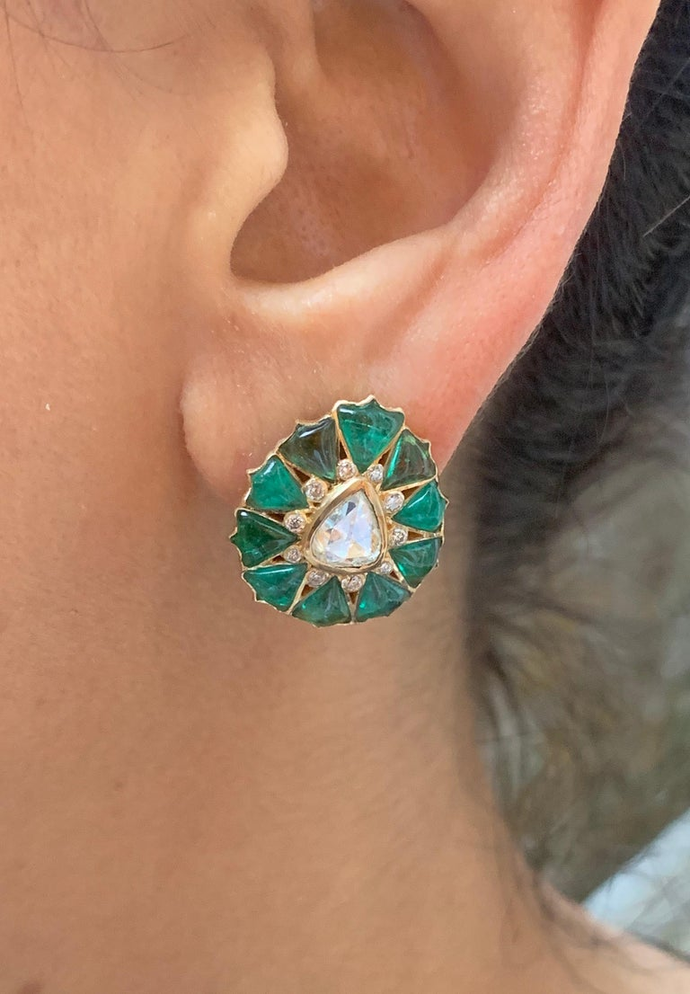 Manpriya B Fancy-cut Emerald and Rose-Cut Diamond Fleurs De L'Inde Earrings  In New Condition For Sale In London, GB