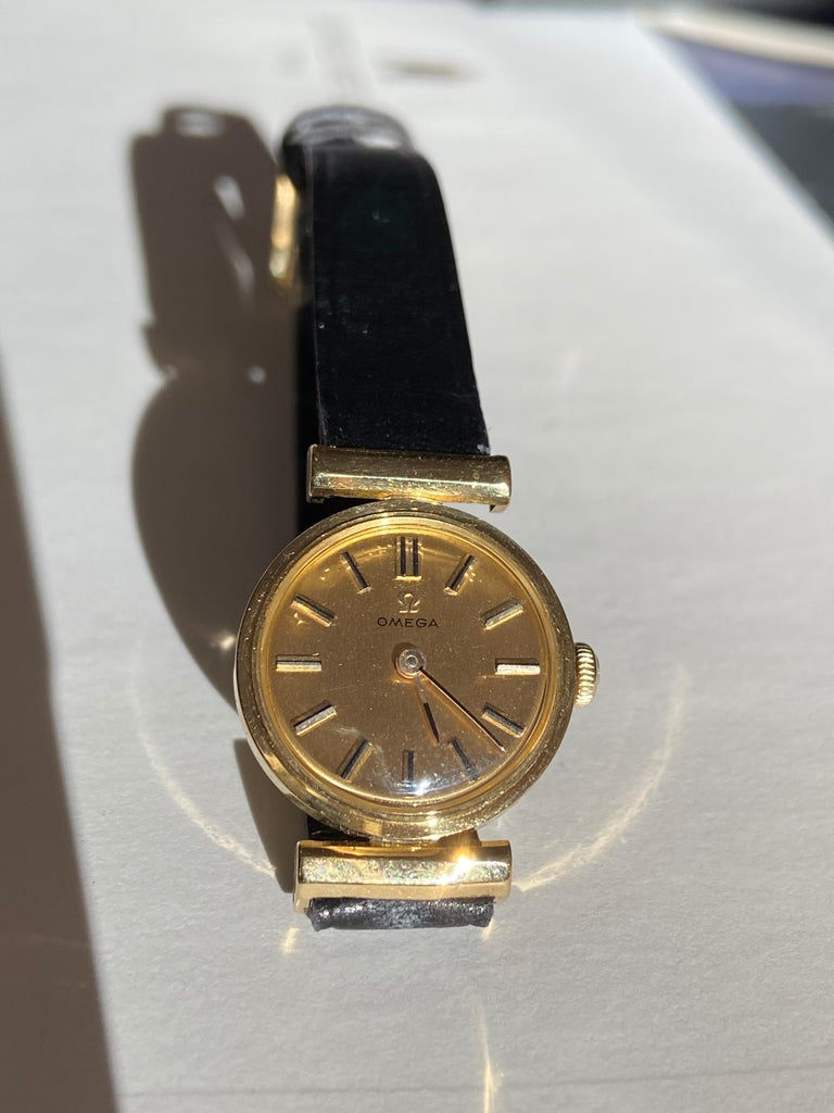 Hand-Crafted Manual Ladies Omega Gold Watch, circa 1960, Swiss Made, Valuated For Sale