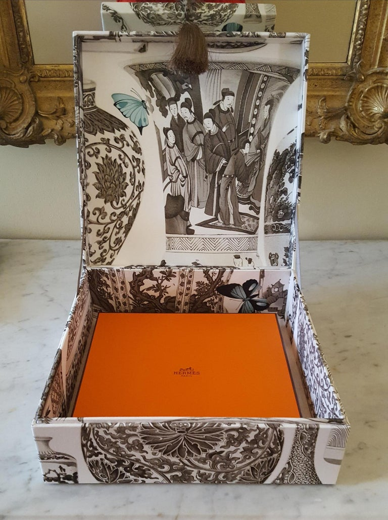 Manuel Canovas Fabric Decorative Storage Box for Scarves Handmade in France For Sale 2