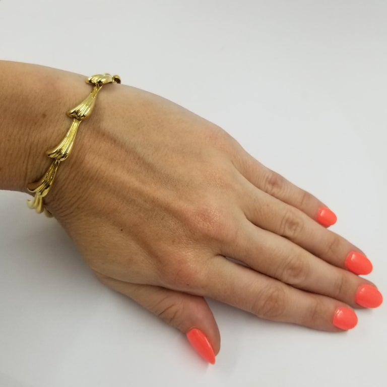 Mapamenos 18 Karat Yellow Gold Wave Bracelet In Excellent Condition For Sale In Coral Gables, FL
