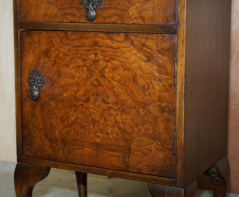 Maple & Co Burr Walnut Bedside or Side End Lamp Wine Table Part of a Large Suite For Sale 5