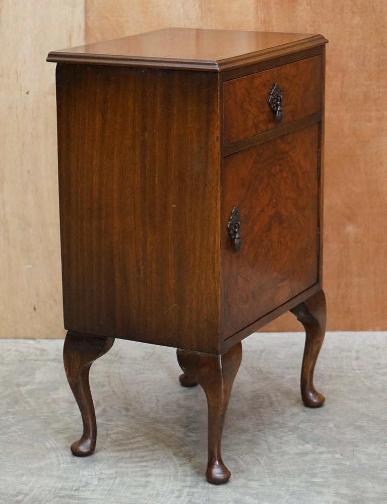 Maple & Co Burr Walnut Bedside or Side End Lamp Wine Table Part of a Large Suite For Sale 8