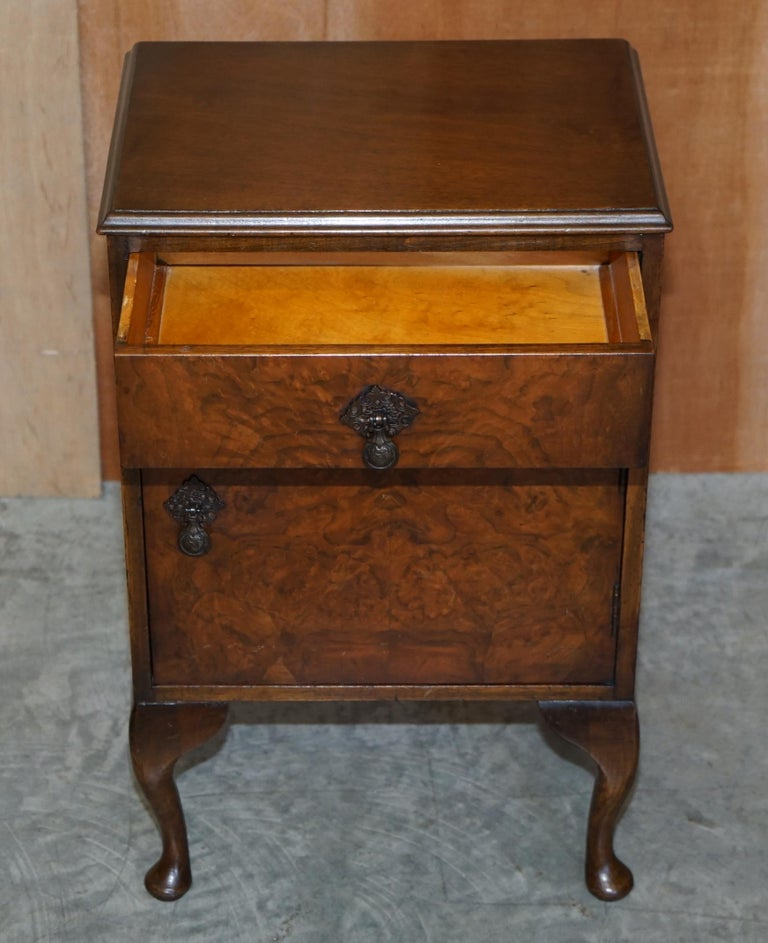 Mid-20th Century Maple & Co Burr Walnut Bedside or Side End Lamp Wine Table Part of a Large Suite For Sale