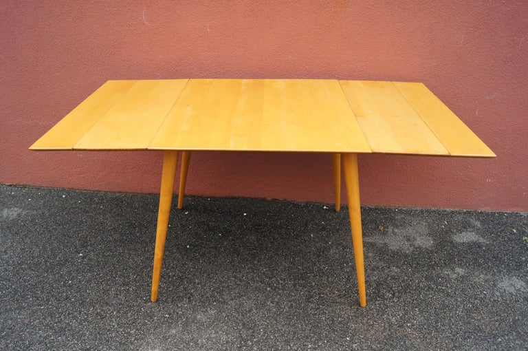 Maple Planner Group Dining Table with Extensions by Paul McCobb In Good Condition For Sale In Boston, MA