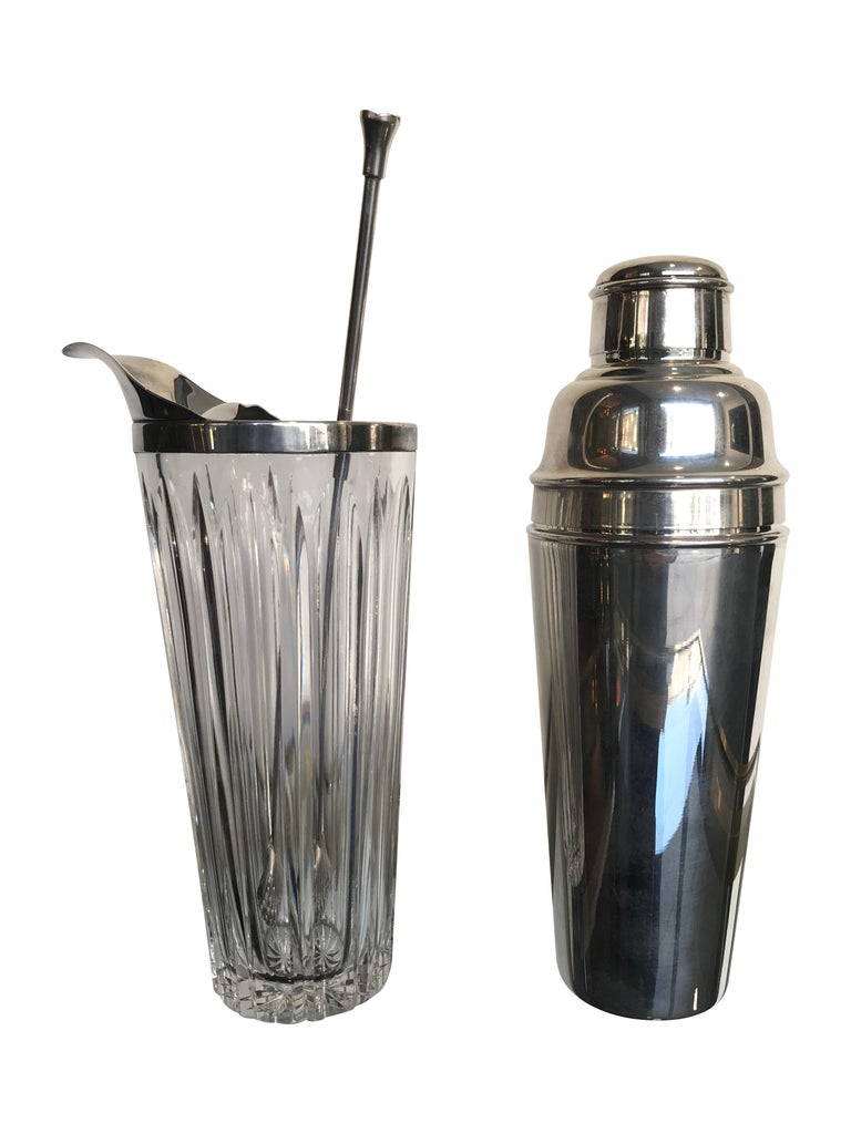 English Mappin and Webb 1940s Silver Plated Cocktail Shaker For Sale