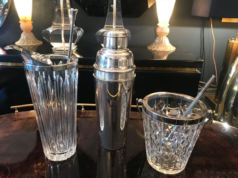 Mappin and Webb 1940s Silver Plated Cocktail Shaker In Excellent Condition For Sale In London, GB
