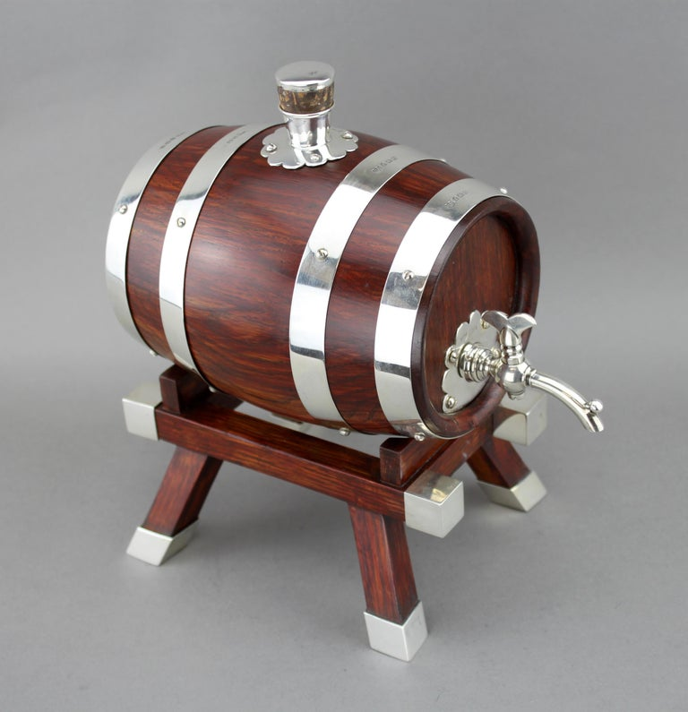 Mappin & Webb, Silver and Wooden Barrel / Keg with Tap for Whiskey, 1925 In Excellent Condition For Sale In Braintree, GB