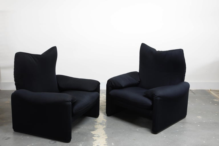 'Maralunga' Lounge Chairs and Ottoman by Vico Magistretti for Cassina, c. 1970 3